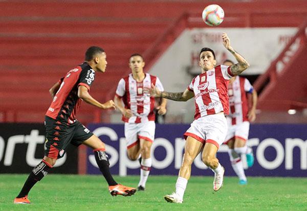 Vitória fica no 0 a 0 com o Náutico jogando no Estádio dos Aflitos