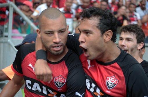 Campeonato Brasileiro: Vitória vence o Bahia de virada na Fonte Nova