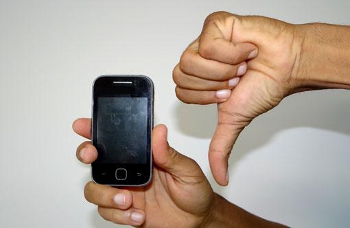 Resultado de imagem para população reclama a ma qualidade do sinal de telefone