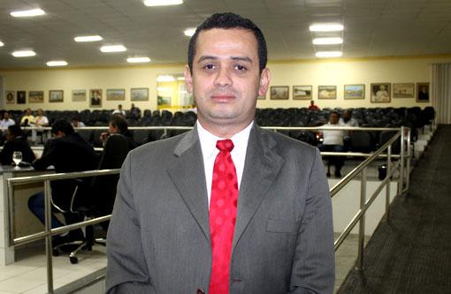 Weliton Lopes parabeniza Brumado pelos índices do IDEB e faz duras críticas à educação estadual