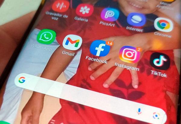 Erro durante alteração em suas configurações causou falha em redes sociais, diz Facebook